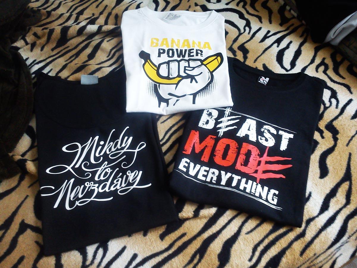 Kolekce třech triček, které byli mezi prvními objednávkami