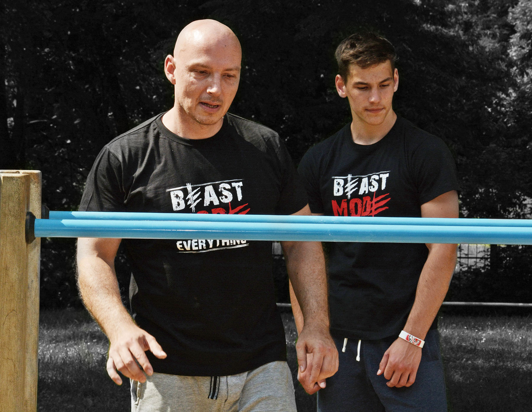 V tričkách Beast Mode Everything vždy připravený